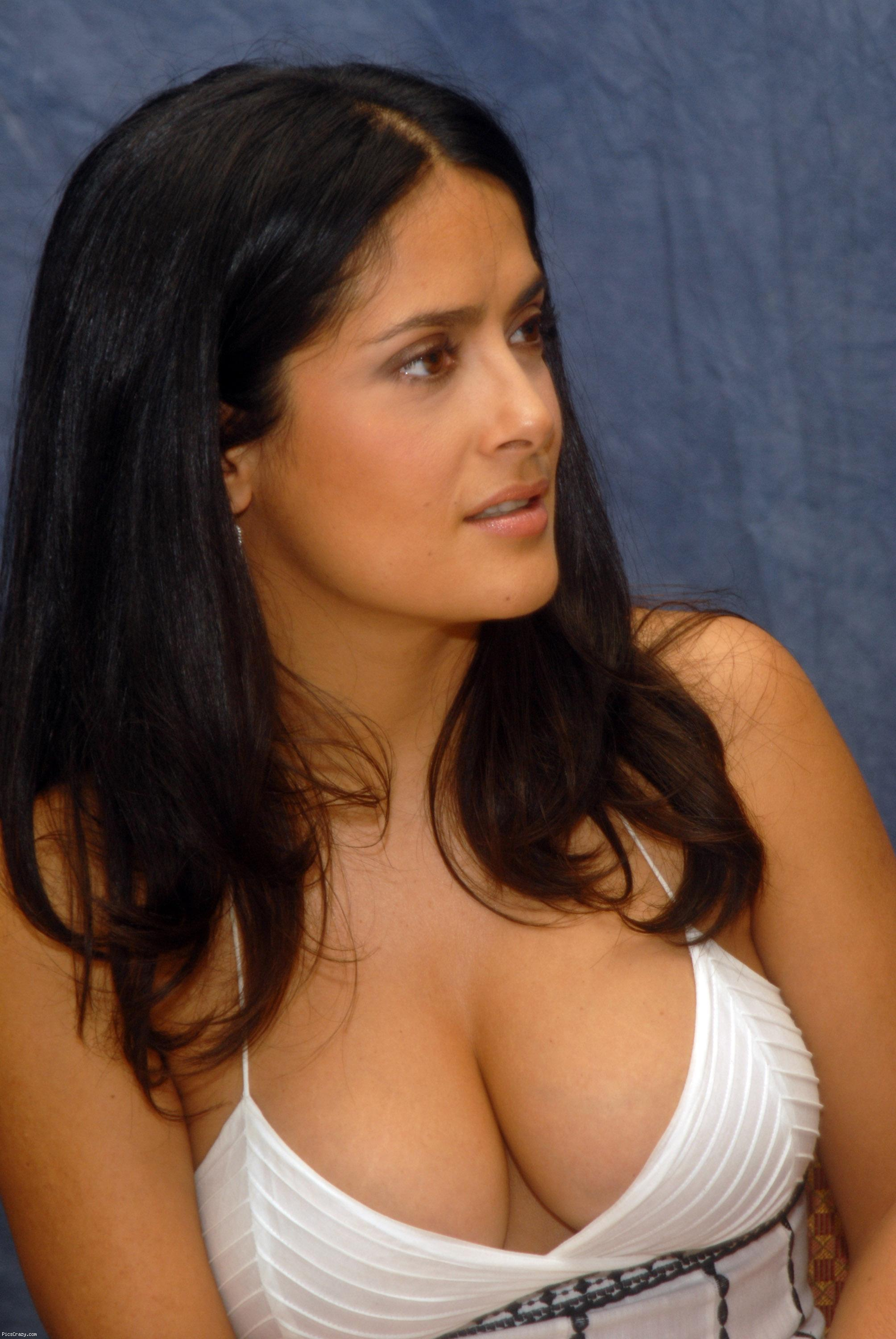 The cleavage thread! Salma-hayek-cleavage