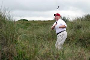 trump-golfing